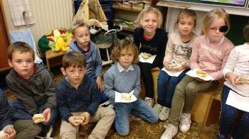 1ste communie brood delen_4